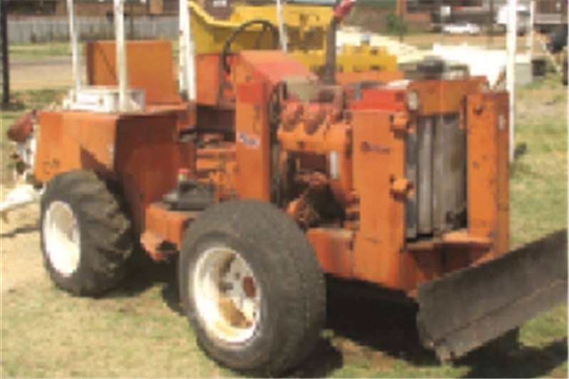 Other DITCH WITCH TRACTOR 4WD  Tractors - towing