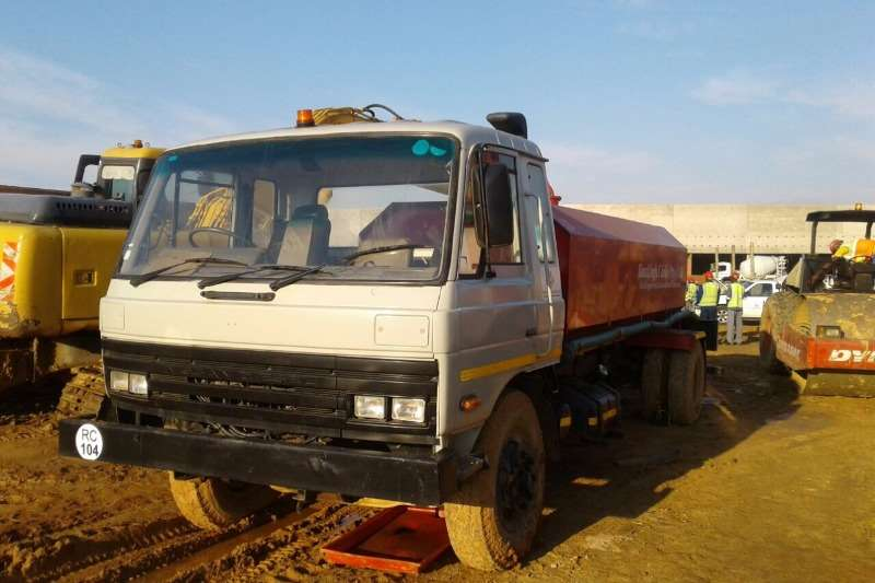Other Nissan 8000 L, Water tankers