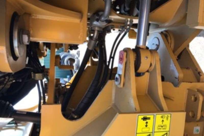 Caterpillar 966H Loader Wheel loader