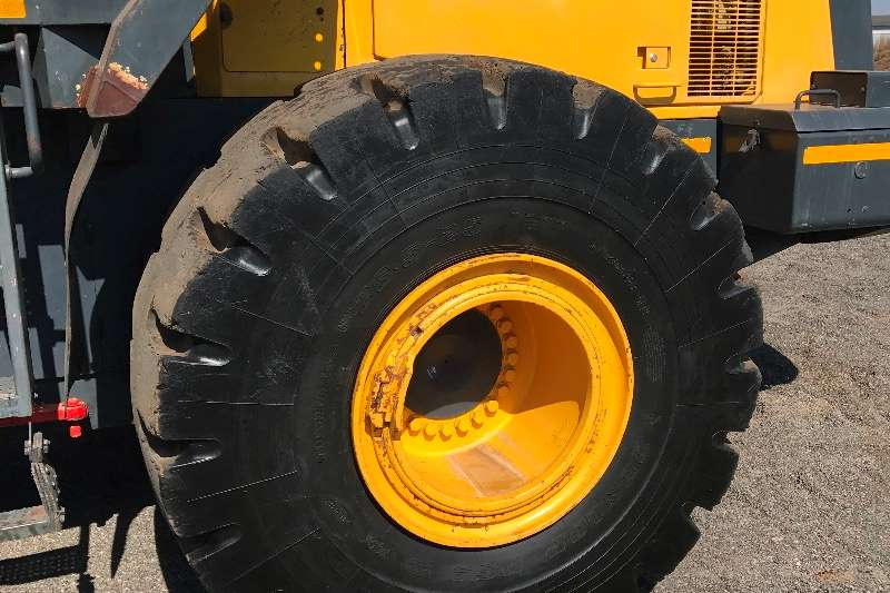 Komatsu WA 470 5 Wheel loader