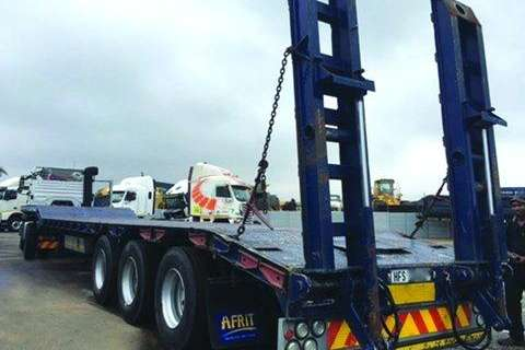 Afrit Tri-axle step deck lowbed,-