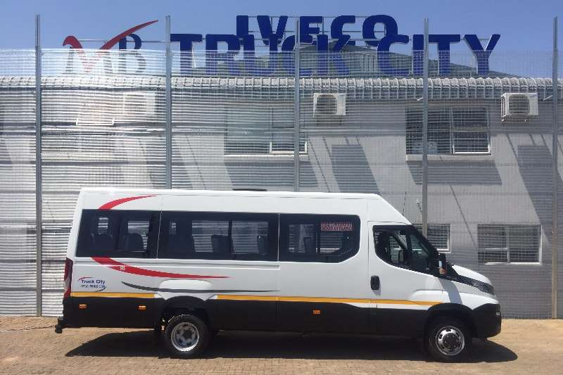 Iveco 10 seater Daily 50C15V16 Bonded Windows Buses