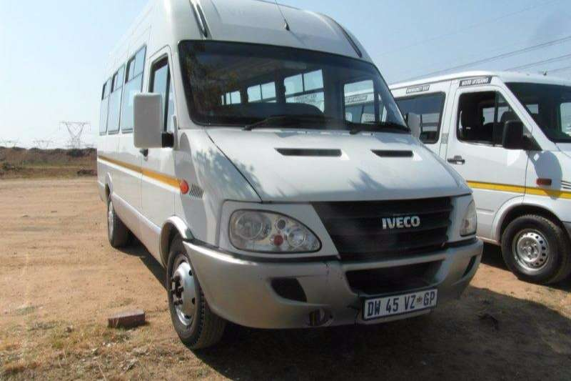 Buses Iveco 14 Seater 16 Seater Bus 0