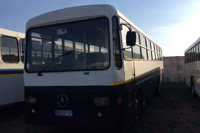 Mercedes Benz 70 seater 50 seater bus  + 24 standing  passengers  Buses