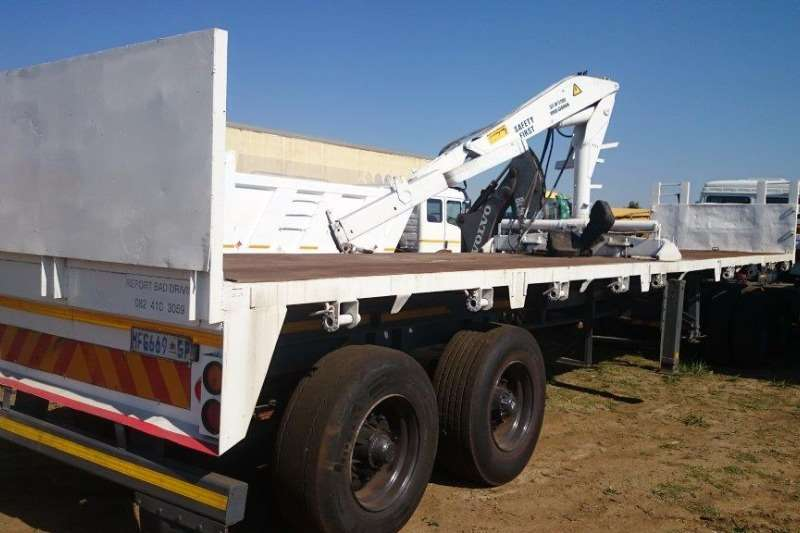Double Axel Flatdeck trailer