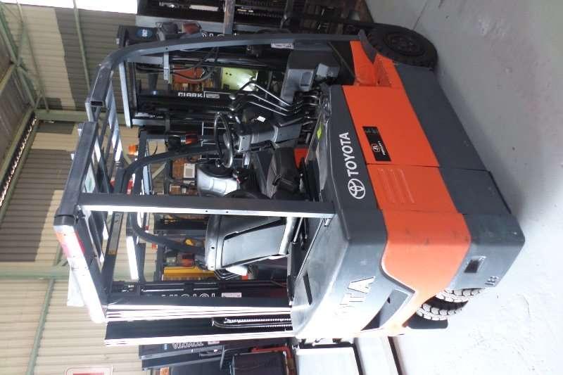 Various Forklifts Forklift trailer
