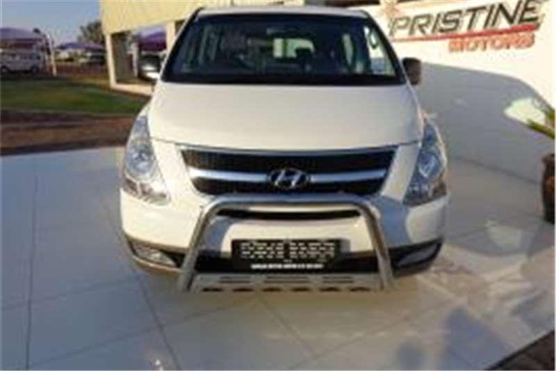 Hyundai H1 9 SEATER LDVs & panel vans