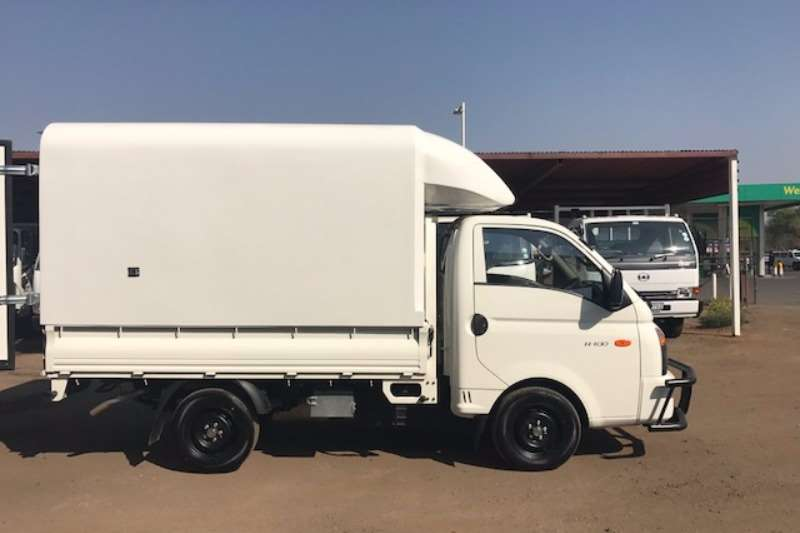 Hyundai HYUNDAI H100 2.6D WITH SPACE SAVER CANOPY LIKE NEW LDVs & panel vans
