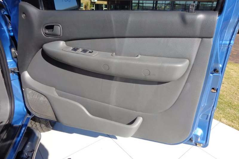 Mazda DRIFTER 2.5TDI SLE D/CAB LDVs & panel vans