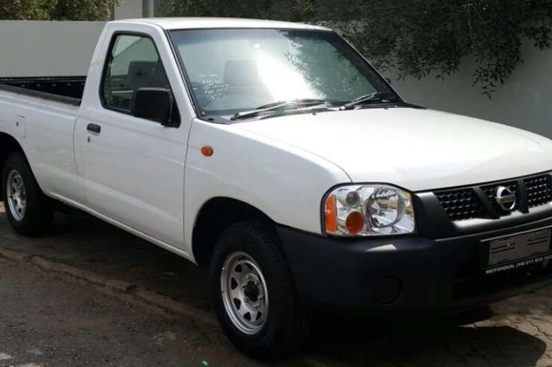 Nissan 2 LWB 2.0 BAKKIESAVAILABLE LDVs & panel vans