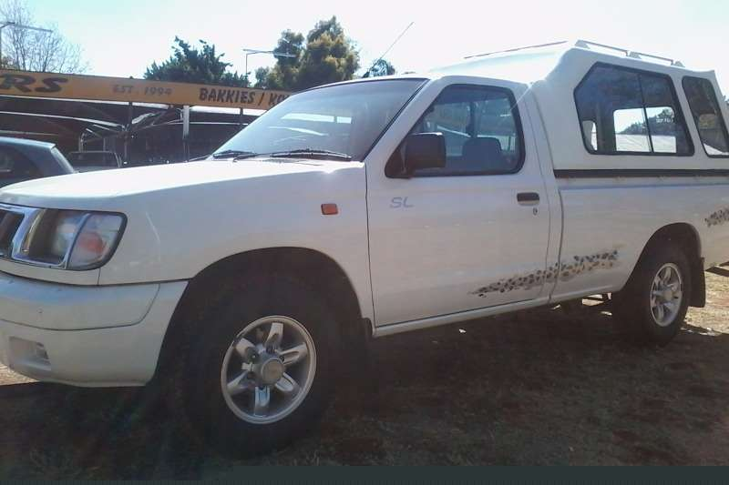 Nissan Hardbody 2.4 Single cab SL LDVs & panel vans