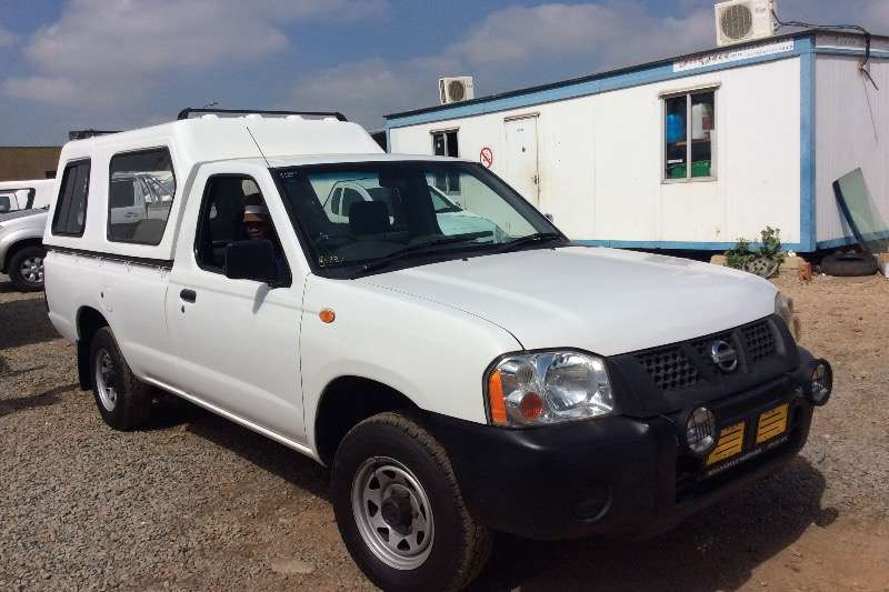 Nissan NISSAN   HARD BODY 40  IN  STOCK FROM R99000 LDVs & panel vans