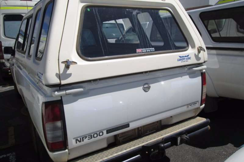 Nissan Nissan NP300 2.0 SE LWB Bakkie LDVs & panel vans