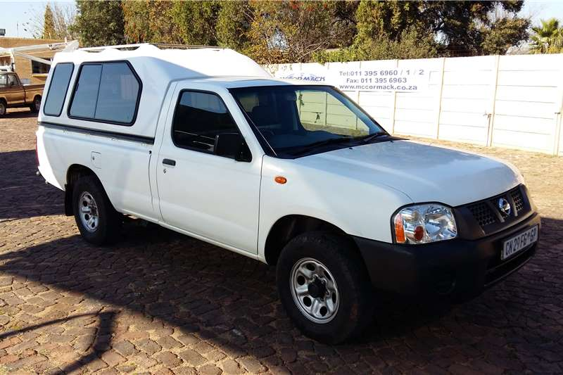 Nissan NP300 2.0i LWB with Canopy LDVs & panel vans