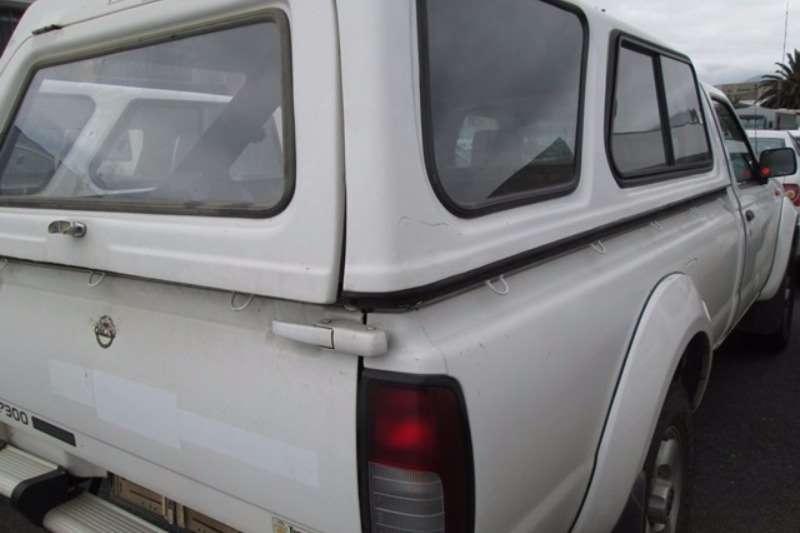 Nissan NP300 2.4 High Rider LWB Bakkie LDVs & panel vans