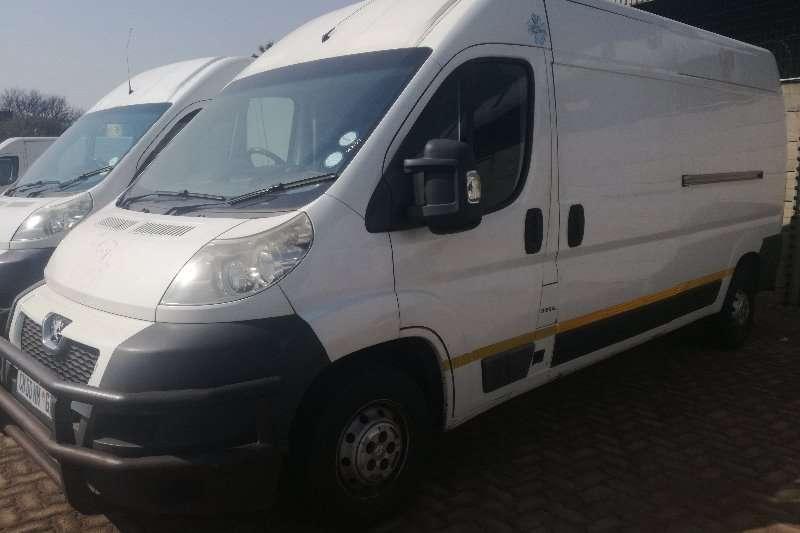 Peugeot LDVs & panel vans