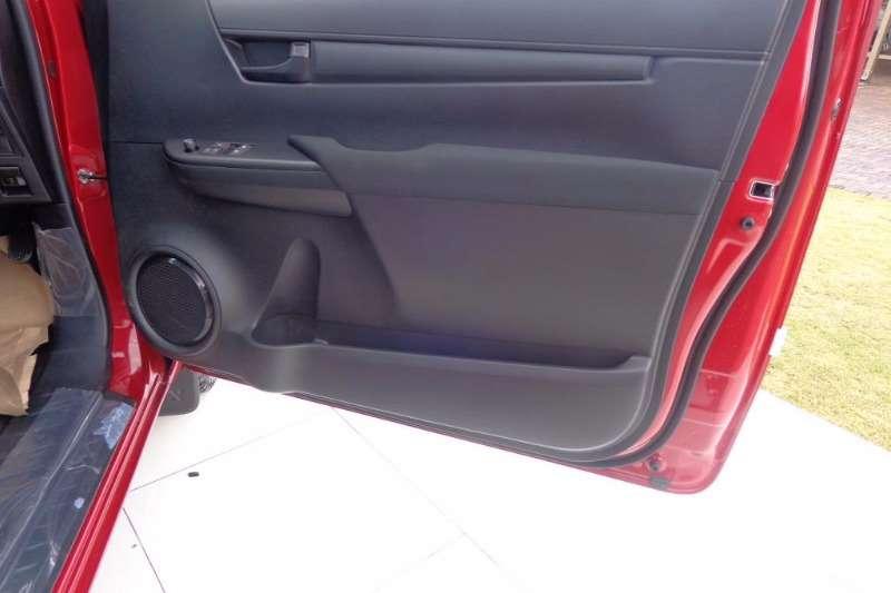 Toyota 2.0VVTI S/CAB LDVs & panel vans