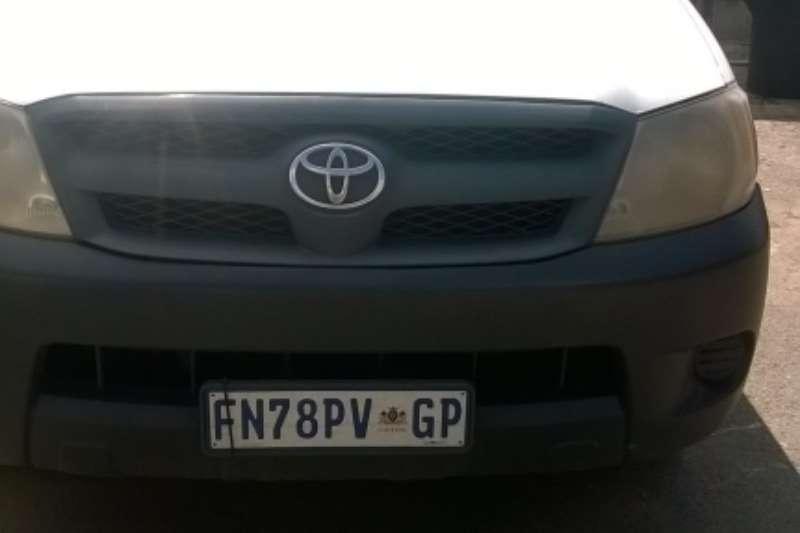 Toyota Hilux 2000cc LDVs & panel vans
