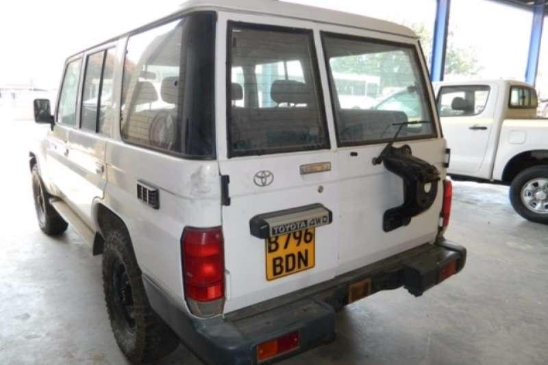 Toyota Toyota Landcruiser 76 4.2D 4x4 Station Wagon LDVs & panel vans