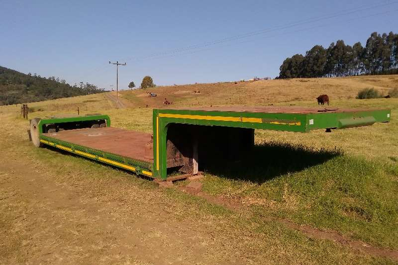 Lowbeds Single Axle Lowbed Ideal for Bell Loaders 0