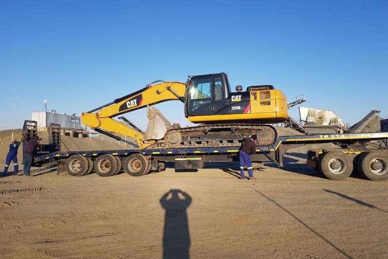 Used Motor Trail Tri Axle Stepdeck Available Lowbeds