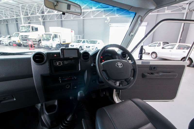 Toyota Landcruiser TOYOTA LAND CRUISER 78 4.2D STATION WAGON Motorhome