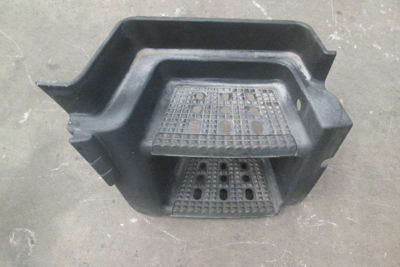 Mercedes Benz Axor Step Box Spares