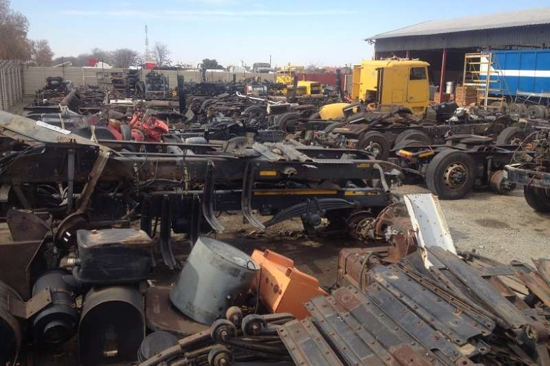 Spares Other Scrapyard - Stripping for spares 2001
