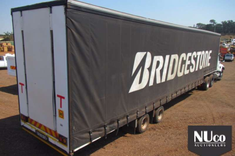 Afrit Close body AFRIT DOUBLE AXLE TAUTLINER Trailers