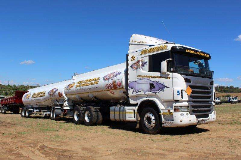 Afrit Tri-Axle SCANIA R470 FUEL TANKER WITH TRI AXLE DRAW BAR TRA Trailers