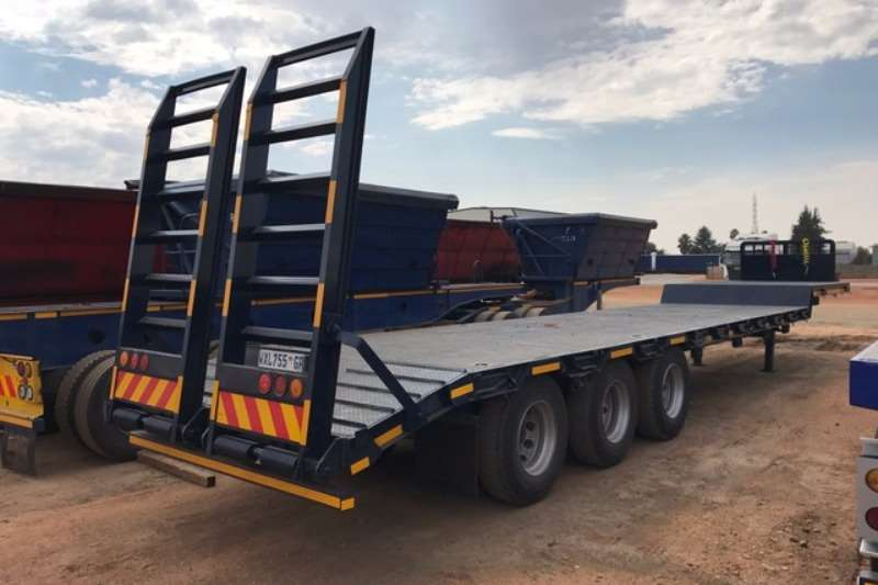 BDJ Stepdeck BDJ Tri axle Stepdeck with manual tail lifts Trailers