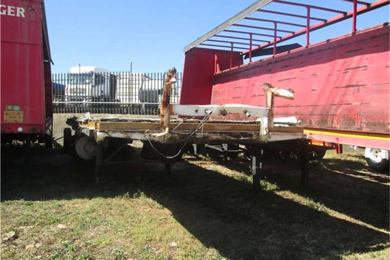 Busaf 12m Retractable Flatdeck Trailers
