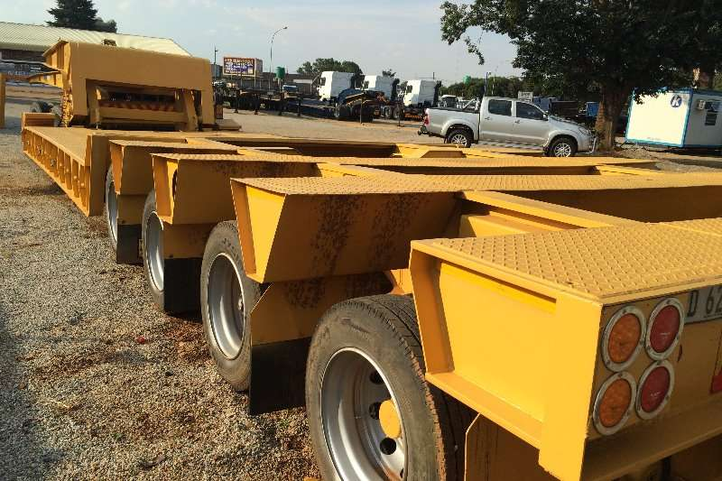 Busaf Lowbed 100 ton Lowbed with dolly Trailers
