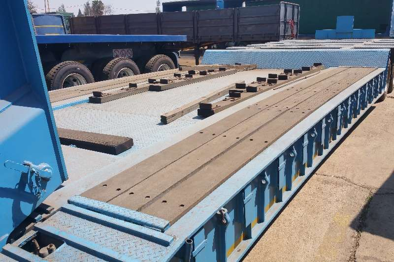 Busaf Specialist vehicle Lowbed 100 ton Trailers
