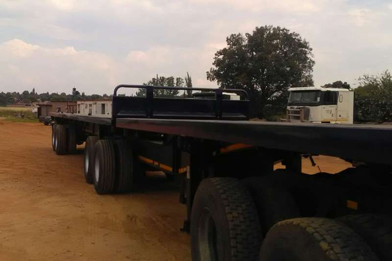 Cargo Lite Superlink 2009 - CARGO-LITE - SUPERLINK - REFURBISHED Trailers