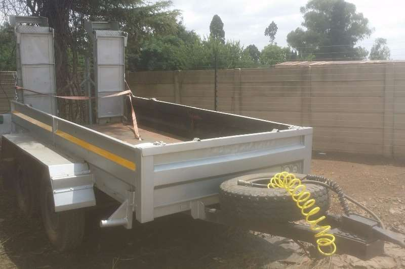 CTS BOB CAT TRAILER Trailers