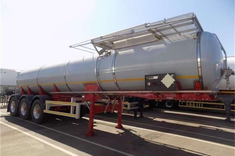 Trailers GRW Fuel Tanker Tridem Semi SS 17700L 1 2015