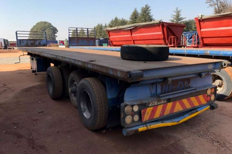 Hendred Flat deck 1 x Tri axle 14.5m Flatdeck Trailer Trailers