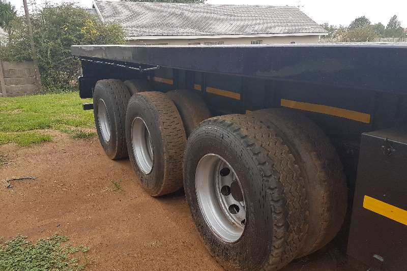 Hendred Flat deck 14.5m - AIR SUSPENSION - 3 AXLE FLAT DECK TRAILER Trailers