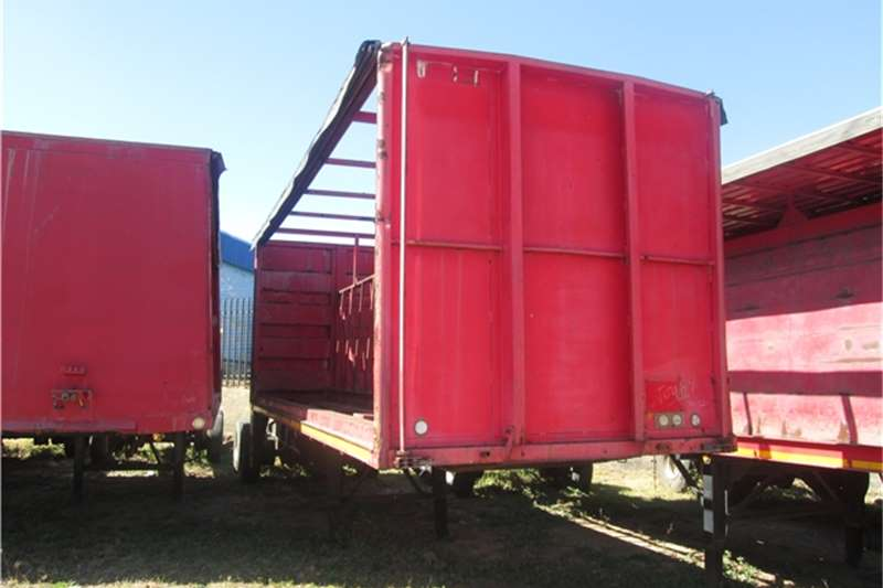 Henred 7.5m Beverage Tautliner Trailers