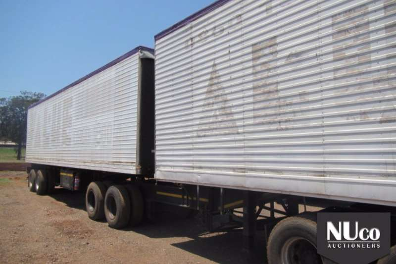 Henred Close body HENRED DOUBLE AXLE VOLUME BODY LINK Trailers