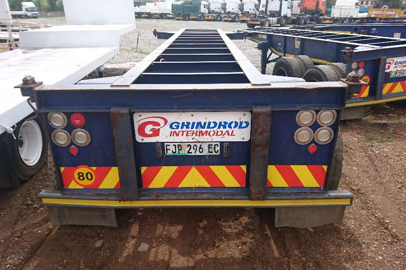 Henred Double Axle 6m Skeleton Trailers