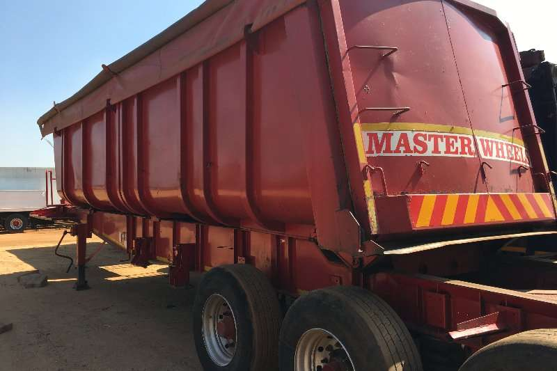 Henred End tipping Tri Axle Sliding Bin Sloper Trailers