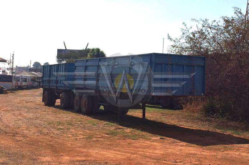 Henred High Sided Combination. 9m semi trailer, 5.5m draw Trailers