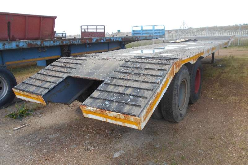 Henred Lowbed Henred Lowbed No Natis Low Speed 30Ton Trailers