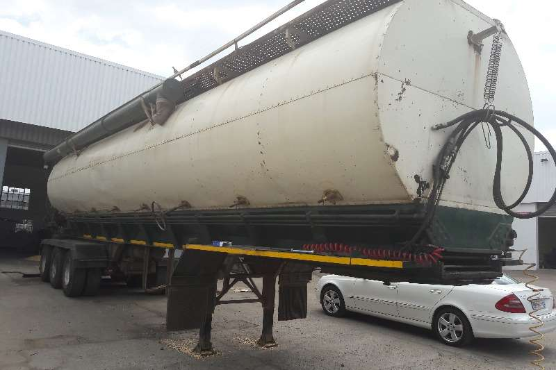 Trailers Henred Used Henred  28 Ton Bulker Tanker Available 2008