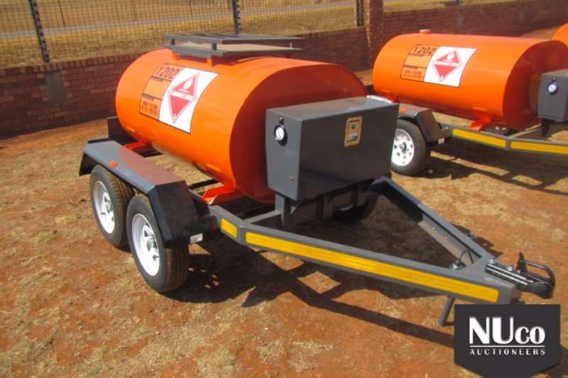 Trailers Other 1000L DOUBLE AXLE DIESEL BOWSER 2017