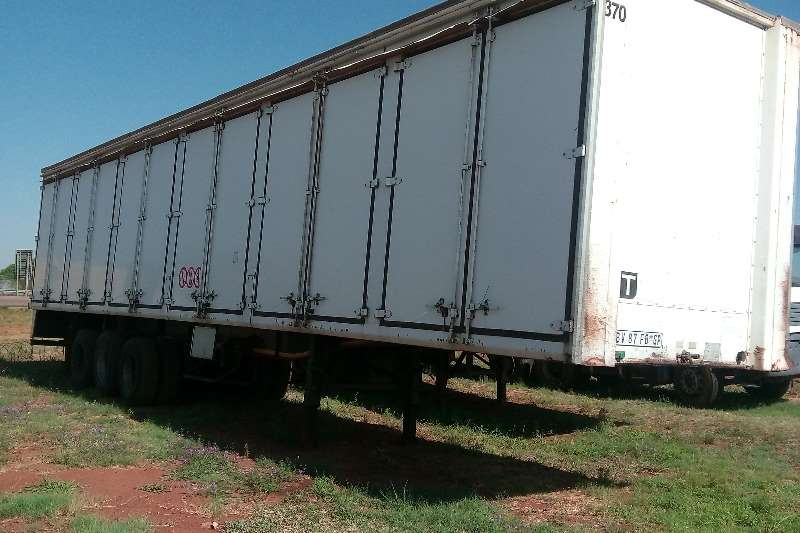 Other Close body Tri Axle Trailer Closed Body Trailers