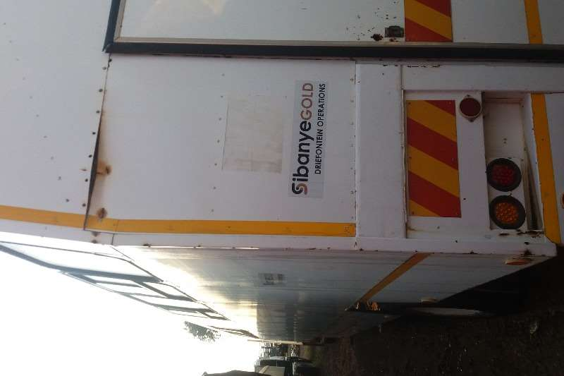 Personal carrier Personnel Trailer 82 Person Seater Trailers