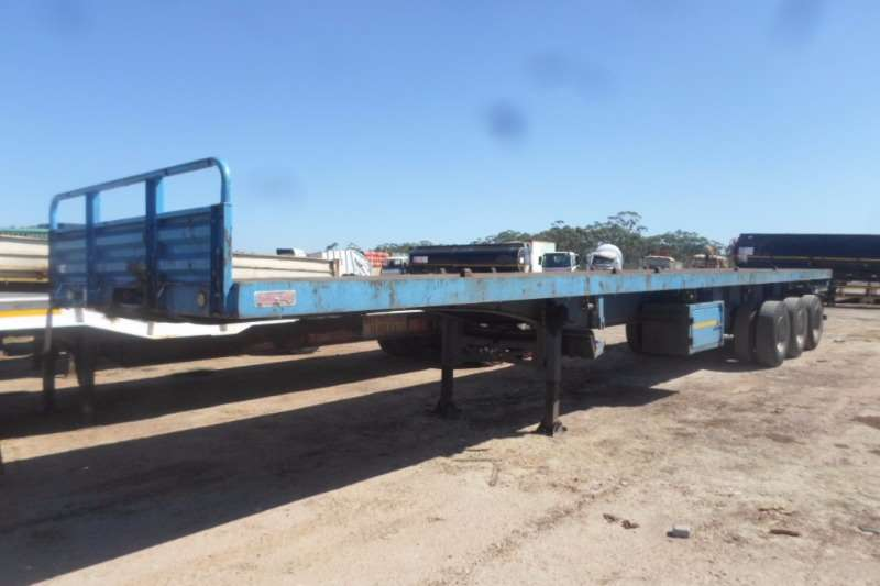 Trailers Roadhog Flat Deck Roadhog Tri Axle with Container Locks 2012